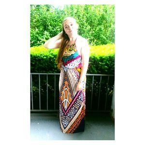 Dresses & Skirts - Bright summer Maxi dress